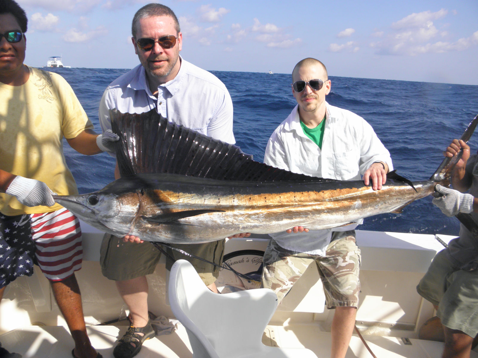 Panga cancun panga fishing sportfishing pangas cancun for Cancun fishing trips