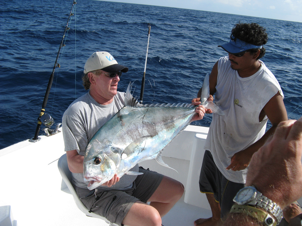 Pompano fishing african pompano cancun pompano fishing for Deep sea fishing cancun