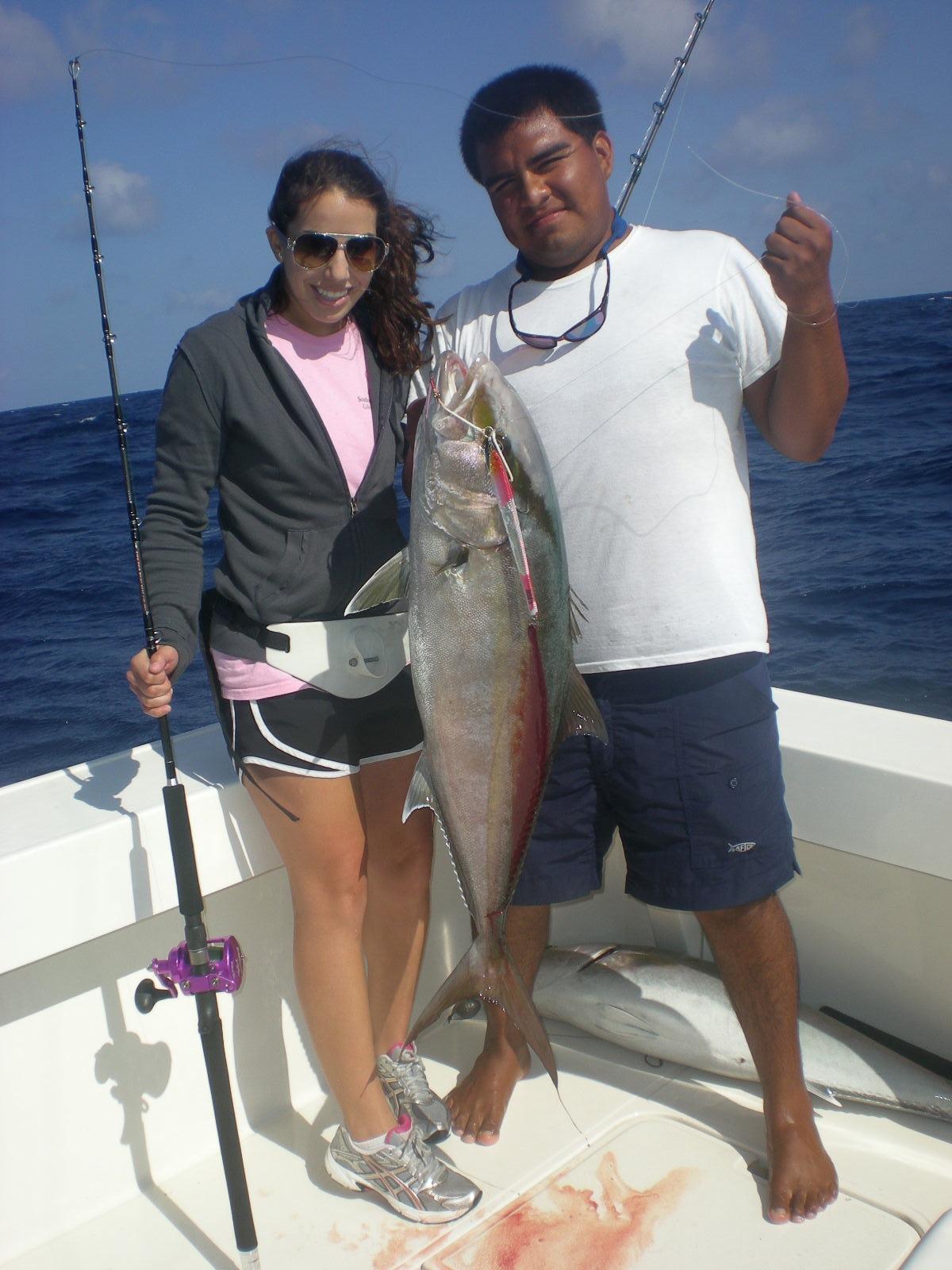 Jigging vertical jigging cancun jigging isla mujeres mex for Deep sea fishing mexico