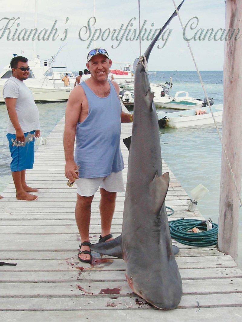 Cancun fishing reservation kianah grand slam isla for Deep sea fishing riviera maya